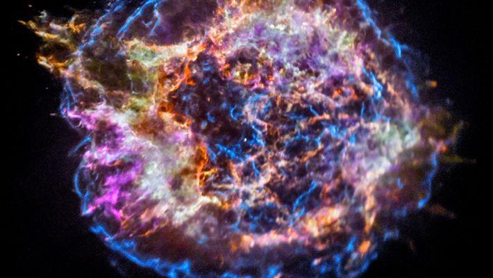 Erkundet die Überreste einer Supernova
