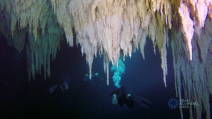 Erkundet die längste Unterwasserhöhle der Welt