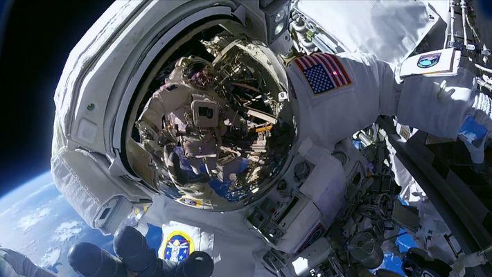 SPACE: Sieh hinauf