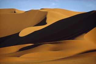 Sahara, Ägypten: Sand, so weit das Auge reicht.