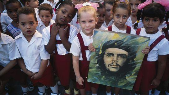 Die Gesichter der Zukunft Kubas zollen einer Ikone der Vergangenheit des Landes Anerkennung: Dem Führer der ...
