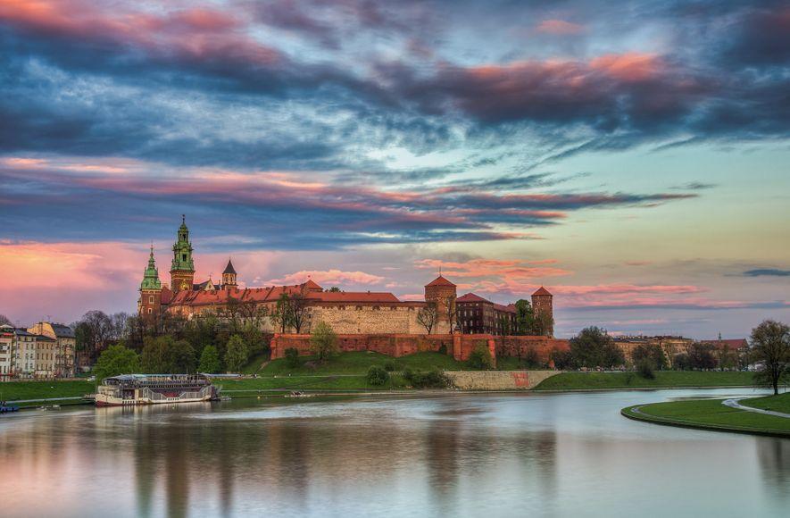 Entdeckt ein Land voller Vampirgräber, Schlossgeister und magischer Wesen