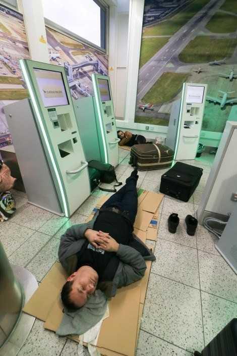 Als 2018 wiederholt Drohnen über dem Flughafen Gatwick gesichtet wurden, mussten zahlreiche Flüge umgeleitet oder gestrichen werden. Zahlreiche Menschen übernachteten notgedrungen im Flughafen.