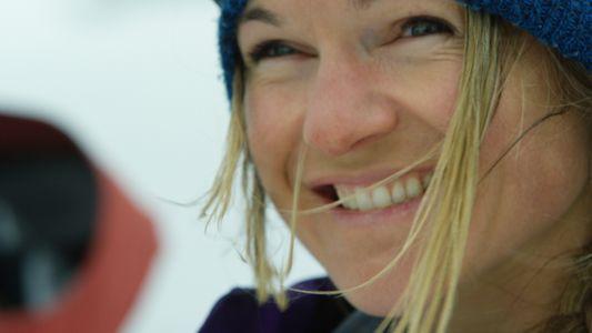 Skifahrerin mit Sicherheitsmission