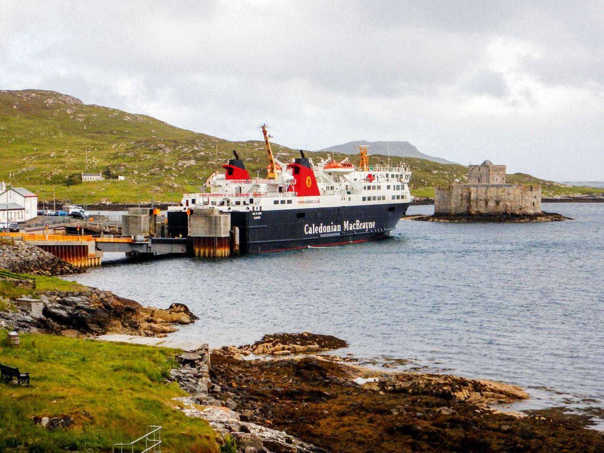 Fähre in Bucht Schottland