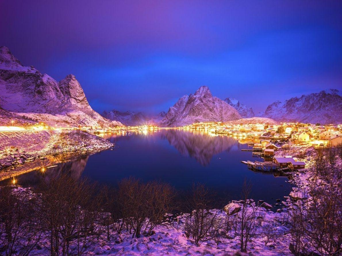 Reine | Reine befindet sich auf den Lofoten in Norwegen. Seit 1743 ist es ein Handelszentrum ...