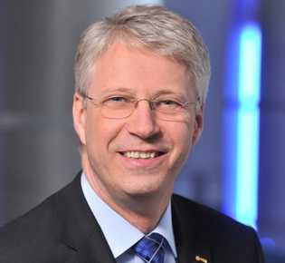 Heute arbeitet Thomas Reiter, 59, bei der europäischen Weltraumorganisation ESA.