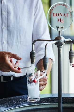 Das berühmte, magnesiumreiche Mineralwasser Donat Mg wird im Medizinzentrum Rogaška abgefüllt.