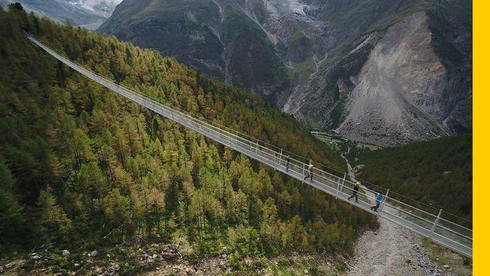 Längste Hängebrücke der Welt in der Schweiz eröffnet.