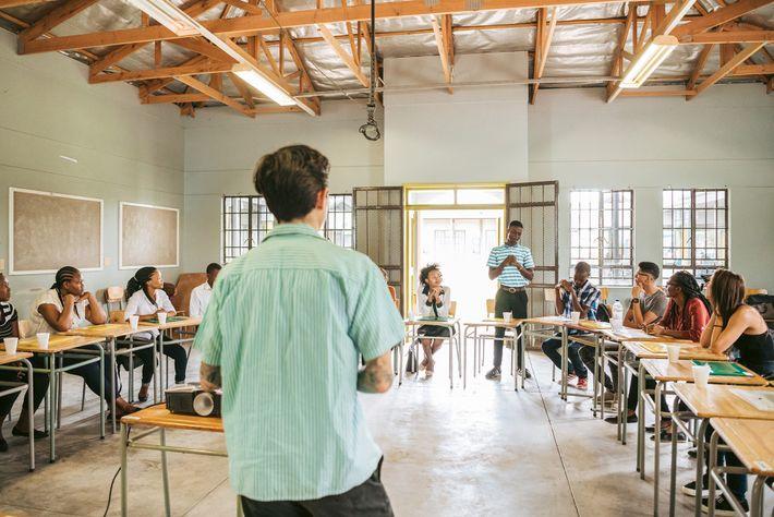 Pop-up Schule Habitas Sira Hospitality