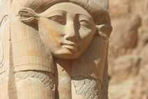 Göttin Hathor im Tempel von Dendera