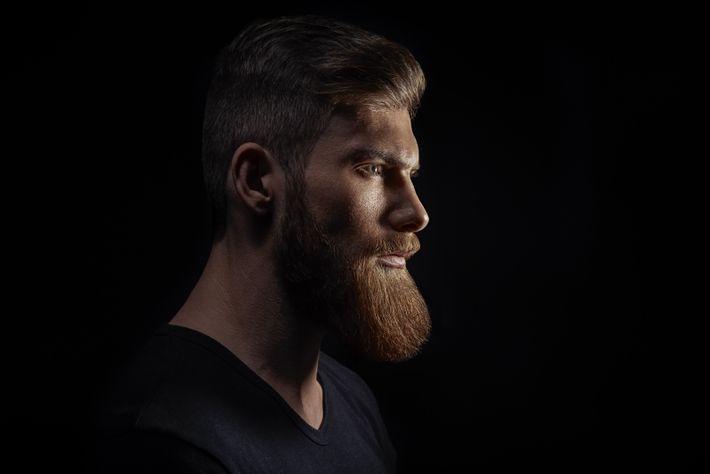 Der männliche Bart wird Studien zufolge als Zeichen von Dominanz und Selbstsicherheit wahrgenommen.