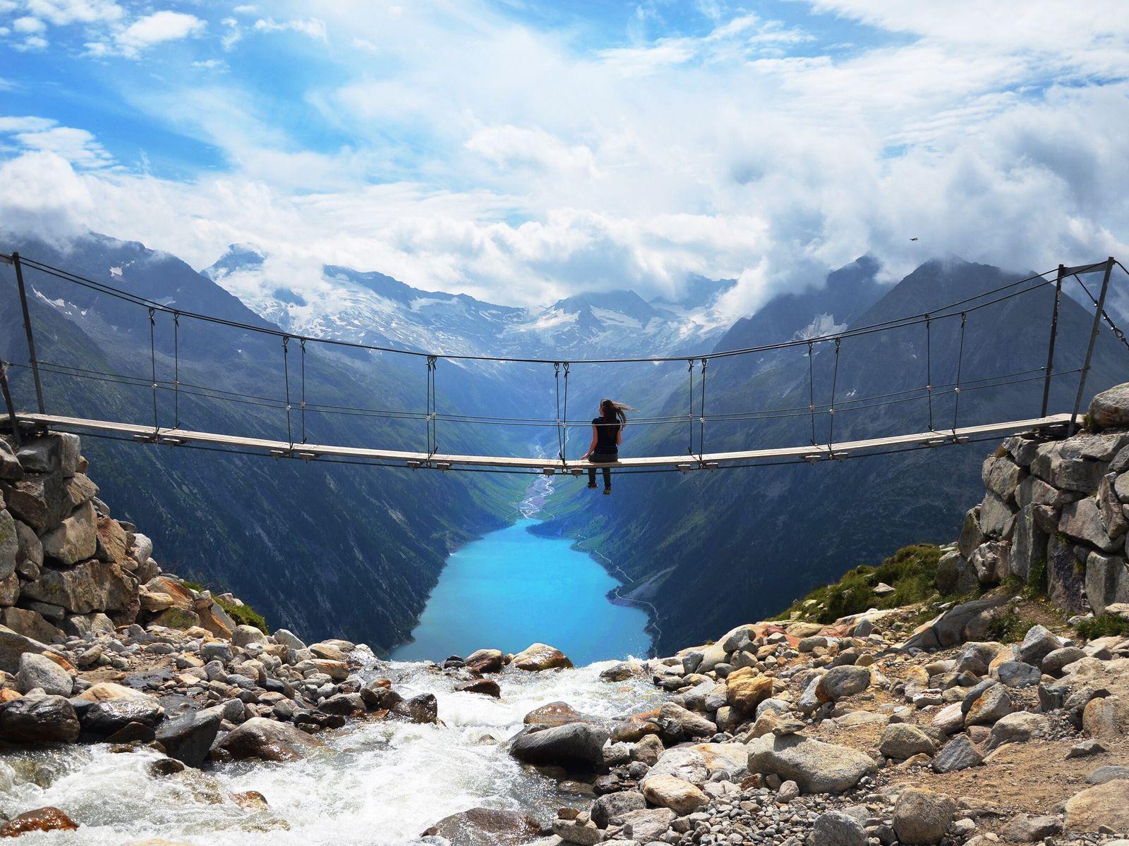 Diese Hängebrücke in den Zillertaler Alpen wurde zum Instagram-Hotspot.