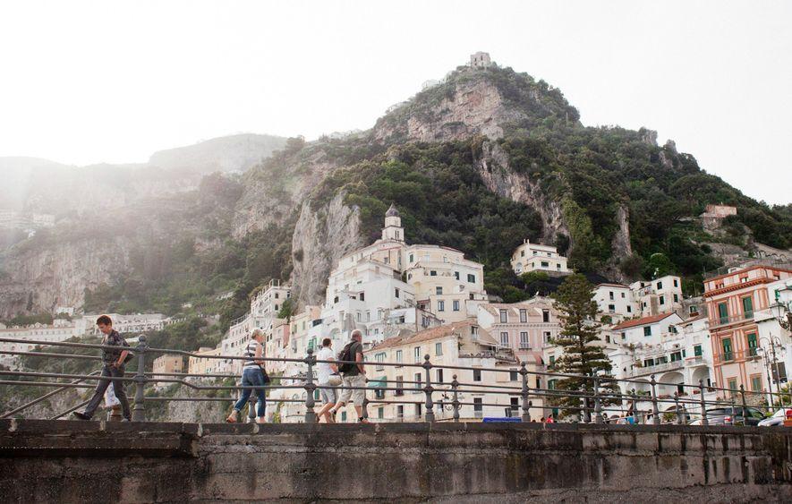 AMALFIKÜSTE, ITALIEN Warum gerade hier? In einer Kultur, in der Kinder und Familien besonders geschätzt werden, …