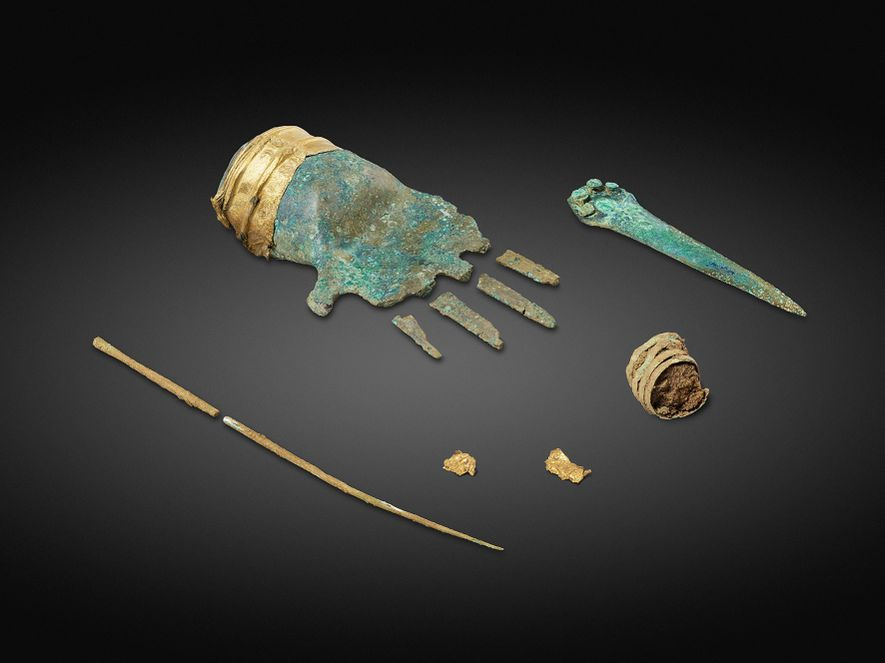 Einzigartiger Fund in Europa: 3.500 Jahre alte Hand aus Metall