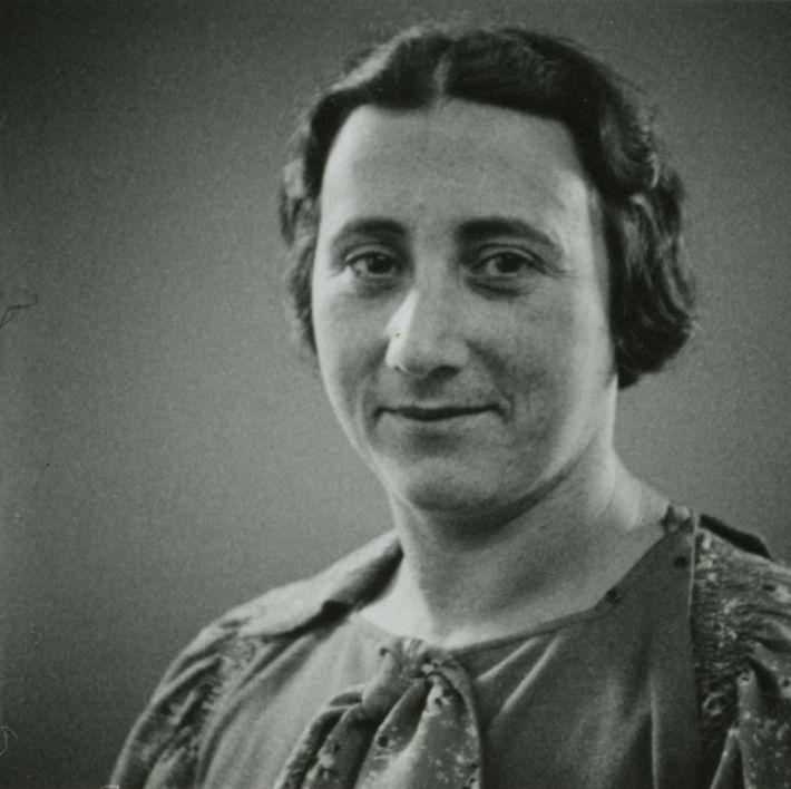 Edith Frank, Annes Mutter, starb am 6. Januar 1945 im Konzentrationslager Auschwitz-Birkenau – drei Wochen vor ...