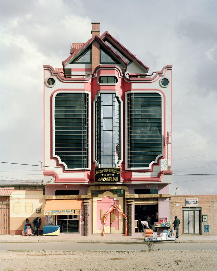 Mittlerweile entstehen immer mehr Gebäude in El Alto, die von Mamanis Stil inspiriert wurden.