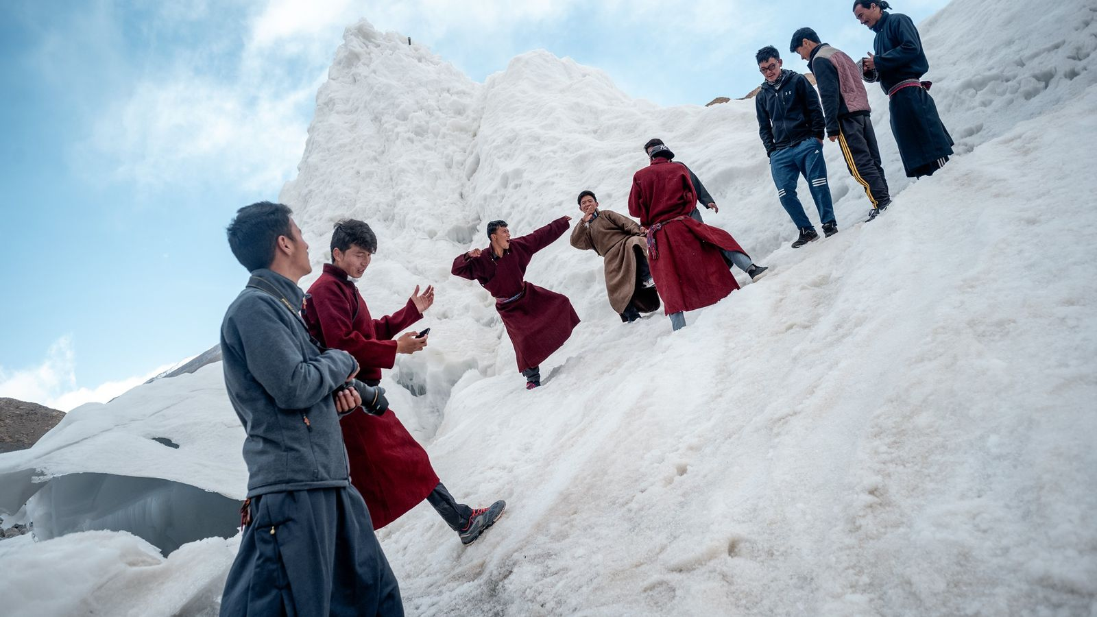 Sonam Wangchuk, Erfinder der Eisstupas, ist Gründer einer Reformschule. Die Schüler haben beim Bau einiger Eistürme ...
