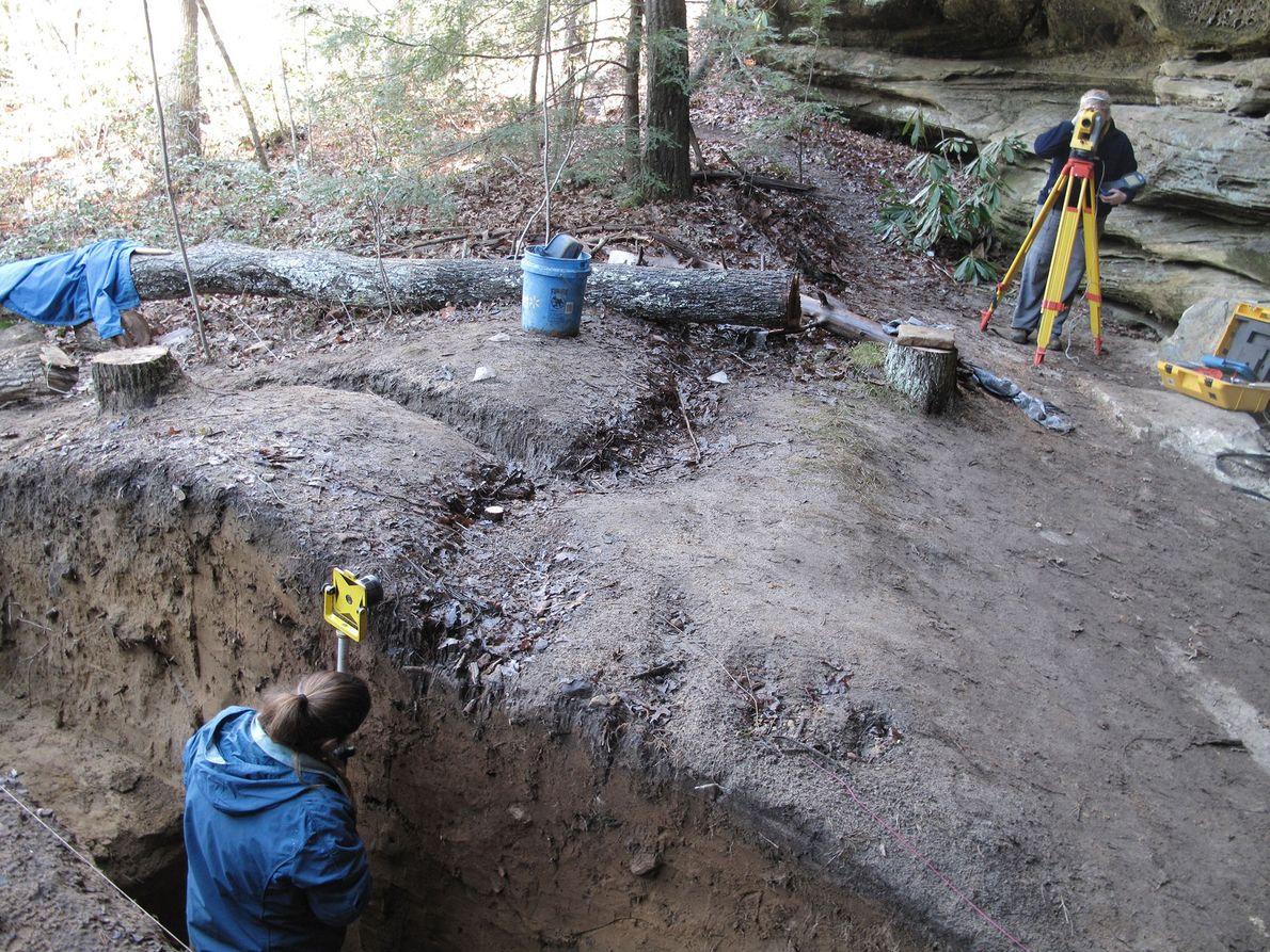 An archäologische Stätten wie dieser in Tennessee wurden zahlreiche fein gearbeitete Clovis-Spitzen und Schneidewerkzeuge gefunden. Die ...