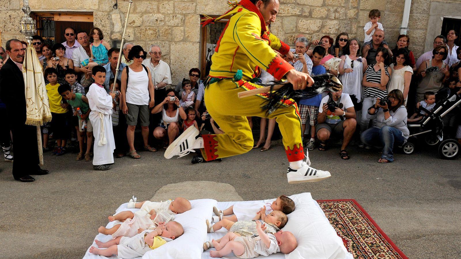 Der Teufel springt über Babys