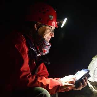Die Expertin: Bärbel Vogel, aus Nesselwang im Allgäu ist Vorsitzende des Verbandes der deutschen Höhlen- und ...