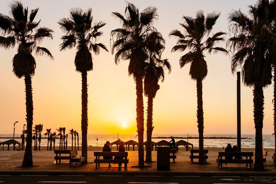 5. ISRAEL  Die Kombination aus einer Ernährung mit Einflüssen des Mittelmeerraums, starken Familienbanden und kulturellen ...
