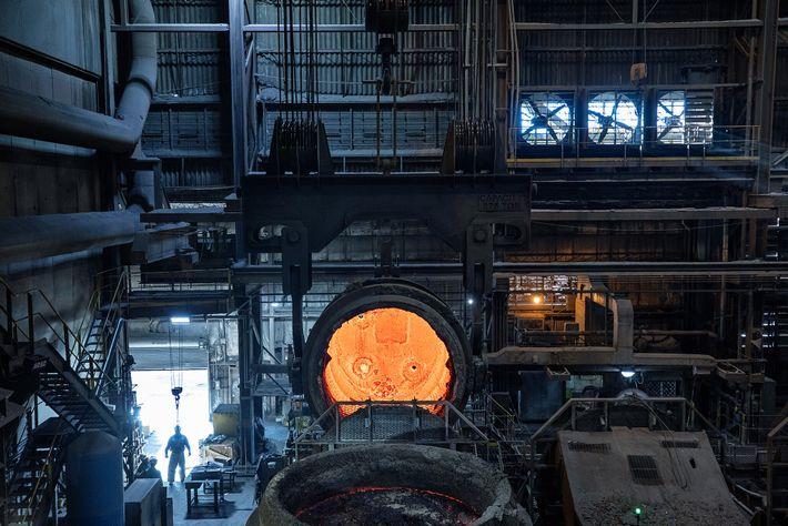Schmelzöfen im Stahlwerk von SSAB America in Montpelier