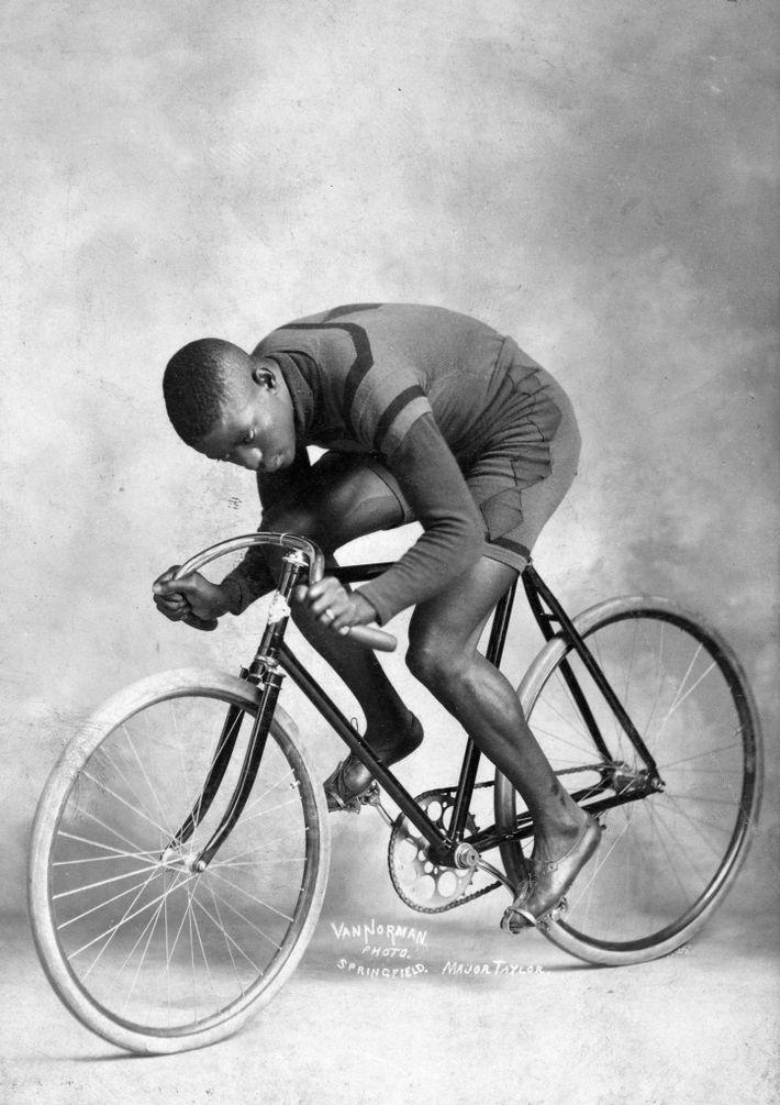 """Der erste Superstar des Radsports war der Amerikaner Marshall Walter """"Major"""" Taylor. Er professionalisierte sich 1896 ..."""