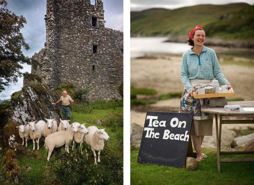 LINKS: Alan Gray lässt seine Schafe zwischen den Ruinen des uralten, verlassenen Kilchurn Chastle am Loch Awe weiden, dem längsten Loch in Schottland. Die Schafe stehen so brav still, weil Alans talentierter Hütehund sie in Schach hält. RECHTS: Tee am Strand auf der Insel Jura. Georgina Kitching gründete ein kleines Unternehmen, das Besucher mit Tee und Kuchen versorgt, die sie in ihrem eigenen Bauernhaus auf der Insel Jura zubereitet. Auf einem Tisch am Strand steht eine Plastikkiste mit einem Funkgerät: Die Besucher rufen Georgina damit an und sie bringt die Leckereien.