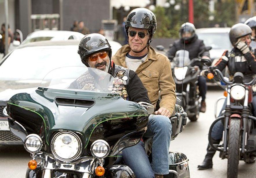 """Anthony Bourdain in Beirut (mit dem Libanon-Chapter der Harley Davidson Owners Group) bei Dreharbeiten für """"Parts ..."""