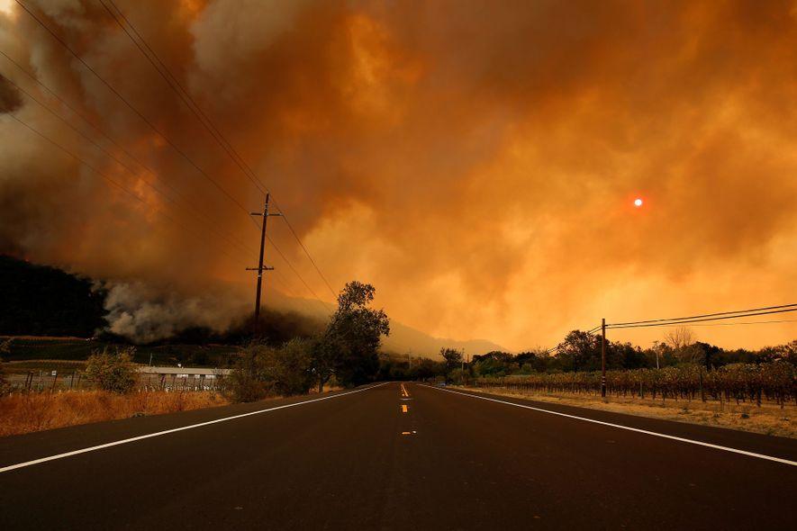 Rauchschwaden bei Waldbränden in Kalifornien