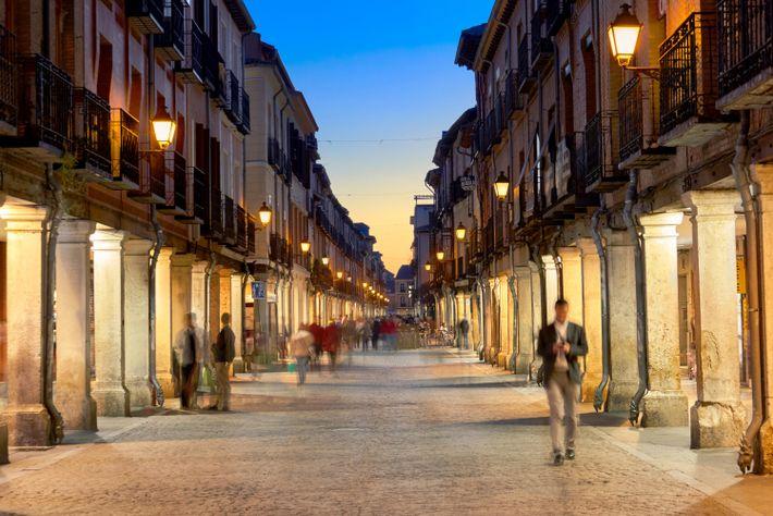 Calle Mayor in Alcalá de Henares