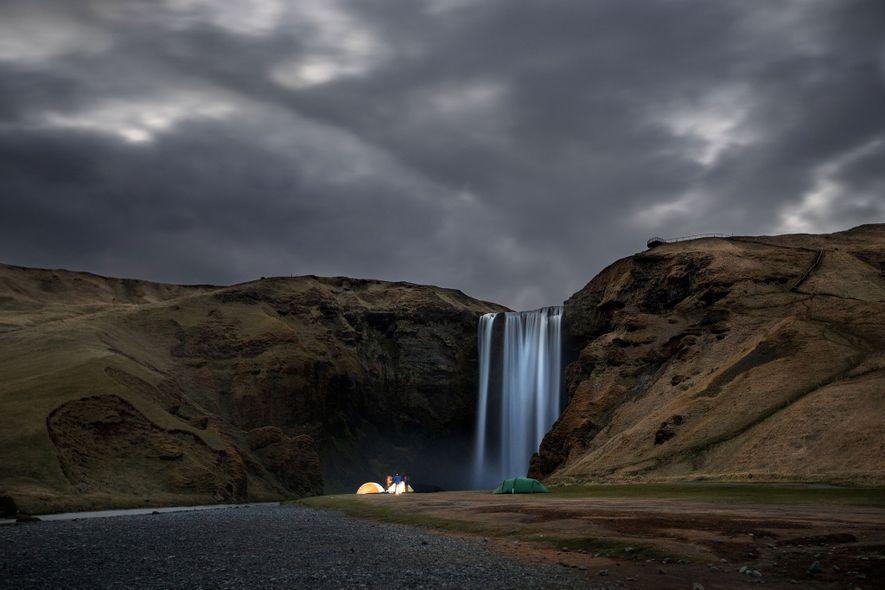 Skógafoss-Wasserfall im Süden Islands