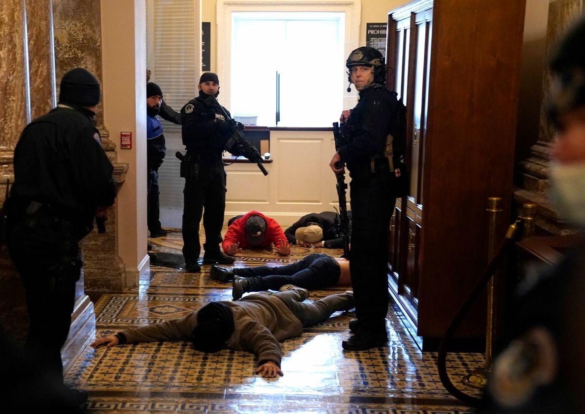Polizeikräfte des Kapitols
