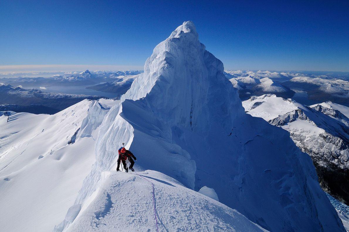 Bergsteiger auf Gipfeln