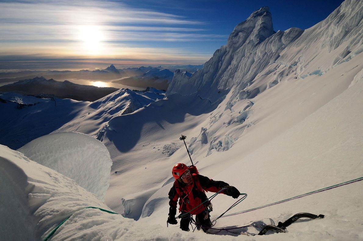 Bergsteiger auf Gipfel