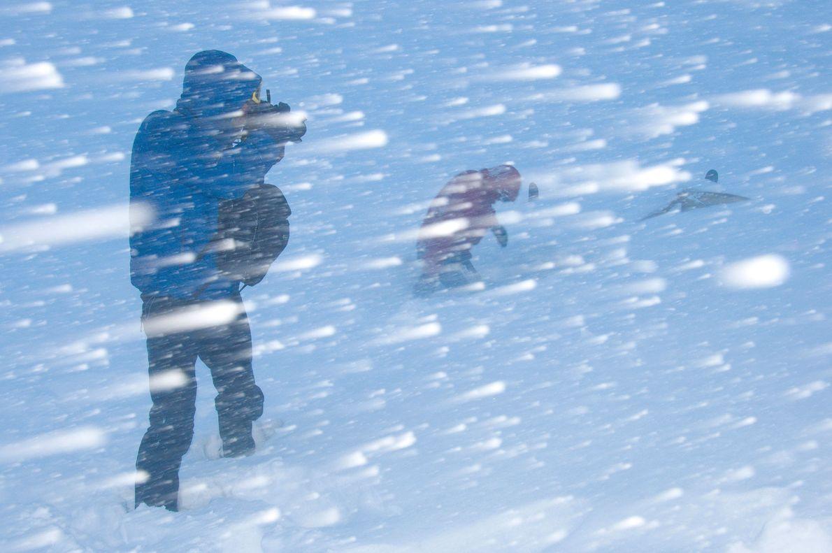 Menschen im Schneesturm