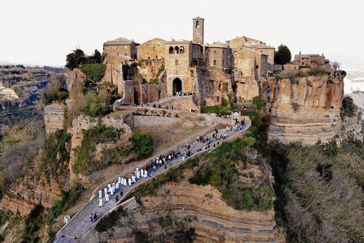 Umzug von Civita nach Bagnoregio
