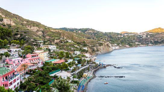 Stadt und Strandabschnitt