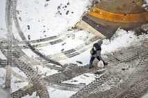 Ein Fußgänger überquert am 20. Januar 2019 in Scranton im US-Bundesstaat Pennsylvania die Straße. Kurz zuvor ...