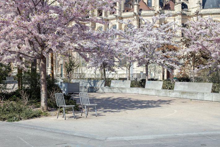 Jardin des Halles im Stadtzentrum von Paris