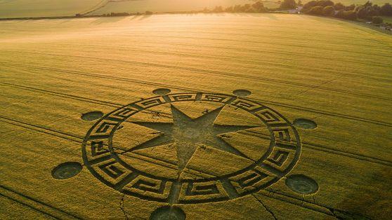 Die mystische Welt des Kornkreis-Tourismus
