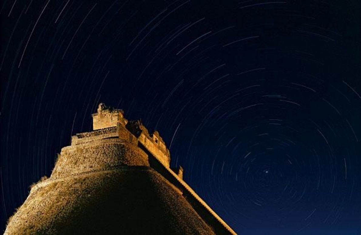 Astronomie hatte für die Maya eine außerordentliche Bedeutung. Aus der Beobachtung der Himmelskörper – hier über …