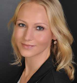 Dr. Anna Höcker ist Coach und Psychotherapeutin mit eigenem Büro in Düsseldorf (www.dr-hoecker.de). Die Expertin für ...