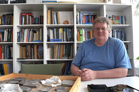 Prof. Dr. Dieter Uhl leitet die Paläontologie und Historische Geologie am Senckenberg Forschungsinstitut und Naturmuseum Frankfurt.