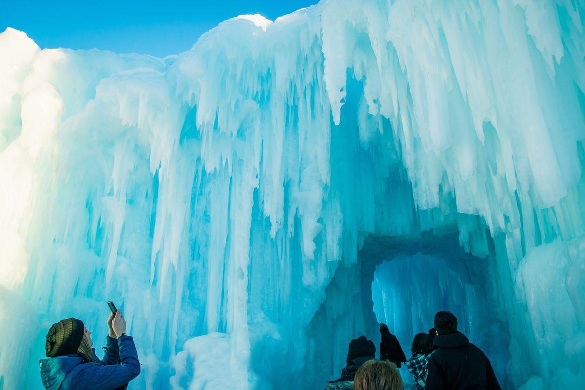 Das Edmonton Winter Festival in Alberta, Kanada.