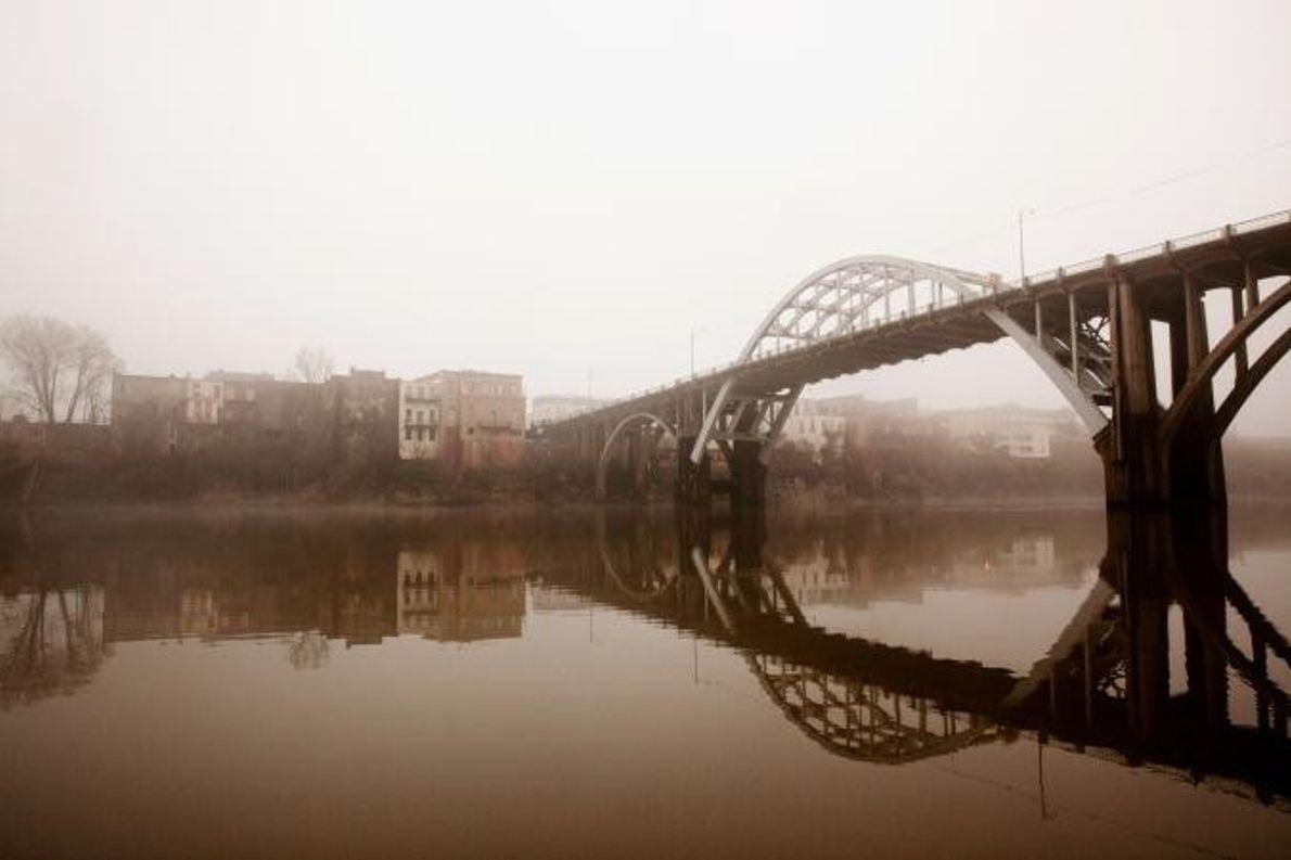 Die Edmund Pettus Bridge in Selma (Alabama) ist ein symbolträchtiger Ort, an dem sich schwarze Bürgerrechtler ...