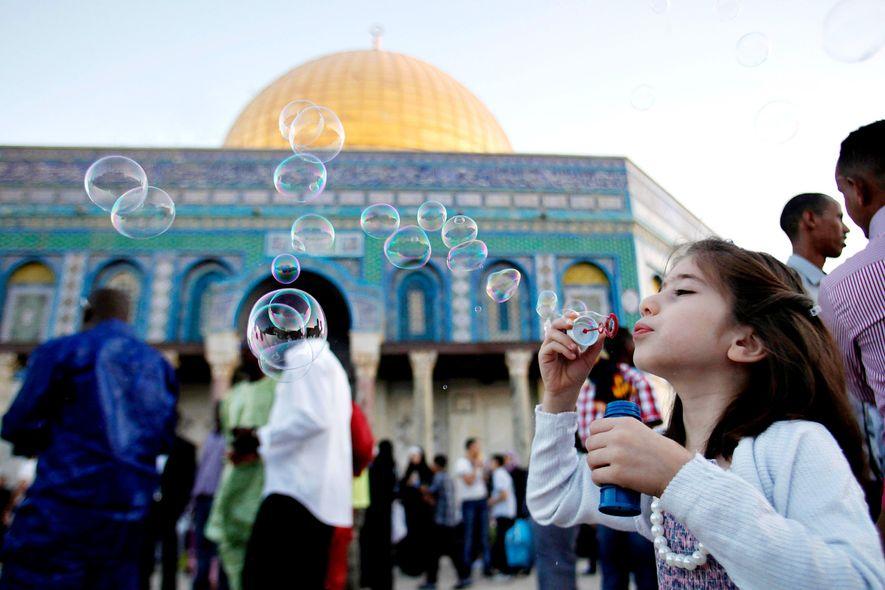 So feiern Millionen von Muslimen auf der ganzen Welt das Ende des Ramadan
