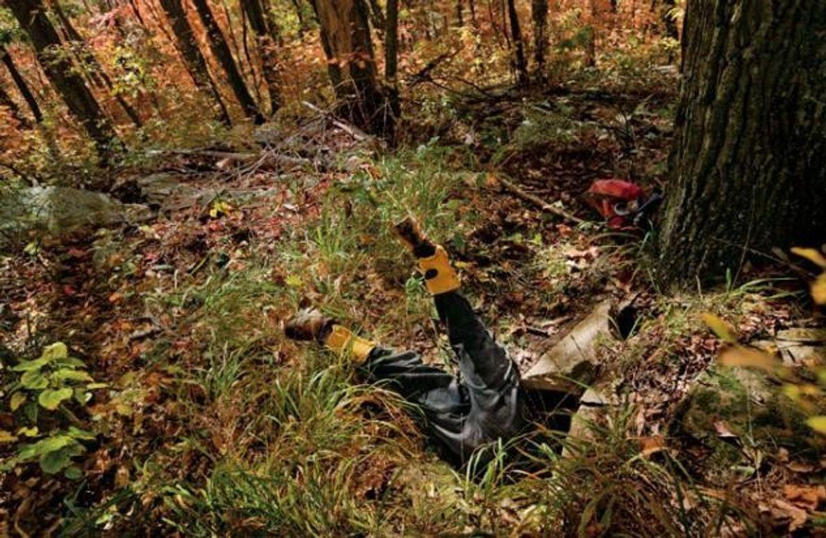 """Marion """"Ziege"""" Smith kriecht kopfüber in eine bisher unerforschte Höhle in Tennessee"""