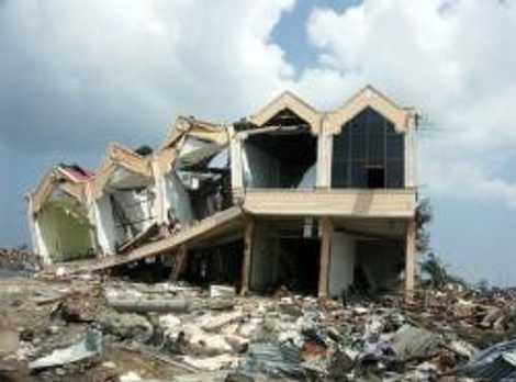 Viele schwere Erdbeben ereignen sich ausgerechnet in weniger entwickelten Ländern. Die meisten Menschen sterben nicht durch ...